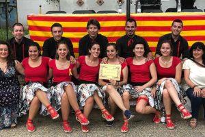 L'Informatiu - La colla de joves de Santa Perpètua amb el premi de la Picada